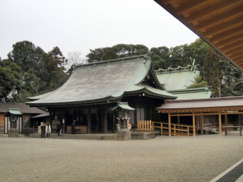 大宮にある氷川神社の拝殿。