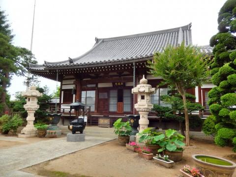 行田市の観光スポット「成就院三重塔」