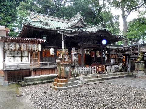 神社でもらったお守りは神社に返す。
