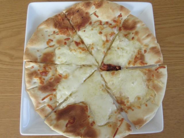 日本ハムの石釜工房4種のチーズピザ③