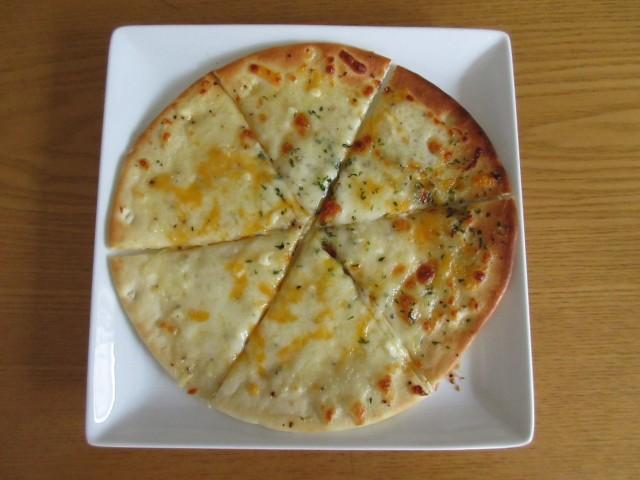 トレビの「4種のチーズ ピッツァ」②