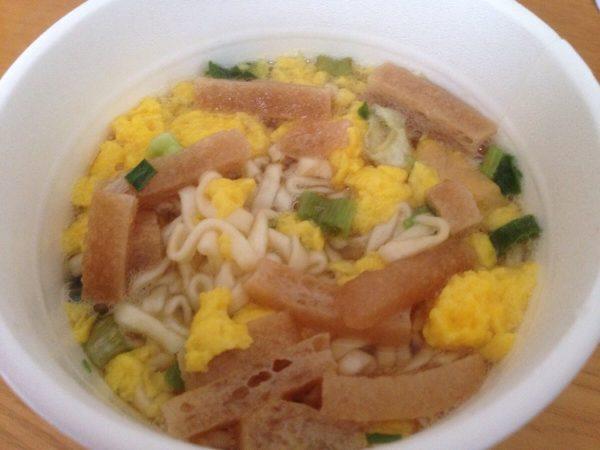セコマのカップ麺「きざみ揚げ入り道産昆布だしうどん」③