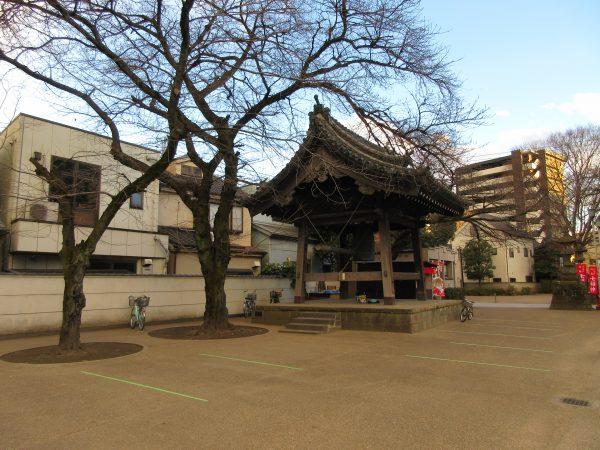 蓮馨寺の駐車場