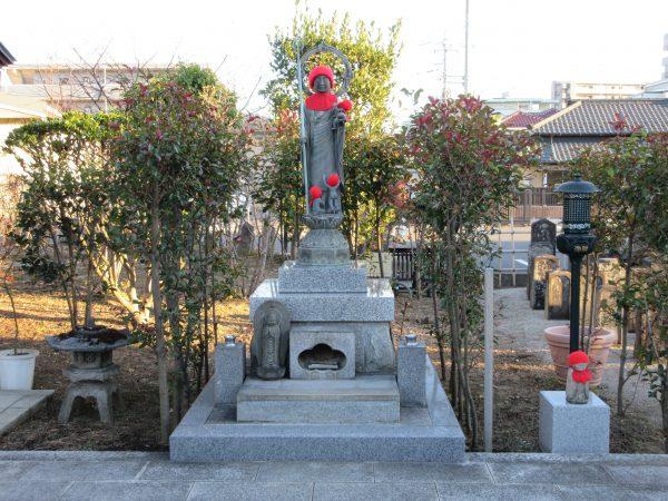 埼玉県上尾市にある遍照院の水子地蔵