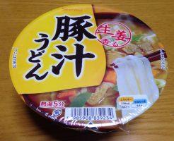 セイコーマートのオリジナルカップ麺「豚汁うどん」①