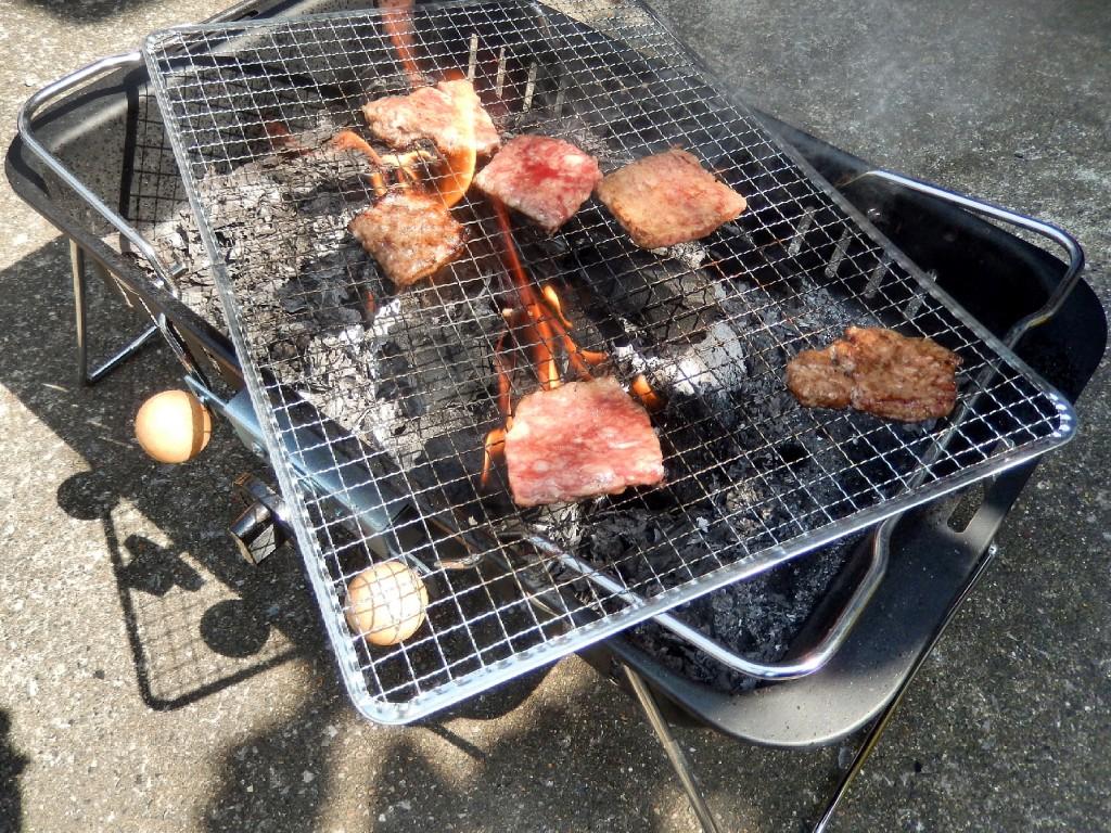 バーベキューあるあるを語る。黙って焦げた肉を食え、文句を言う奴はご飯のおこげで喜ぶなよ。