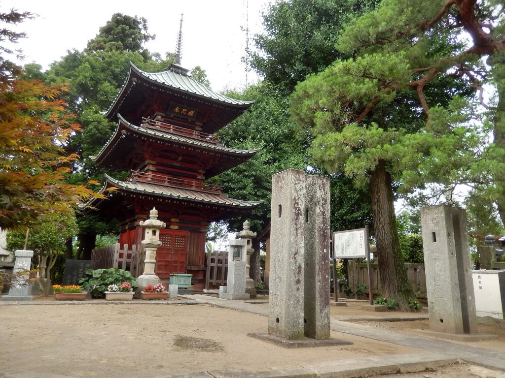 埼玉県行田市の観光スポット「成就院三重塔」。県内では貴重な三重塔が見られますよ。