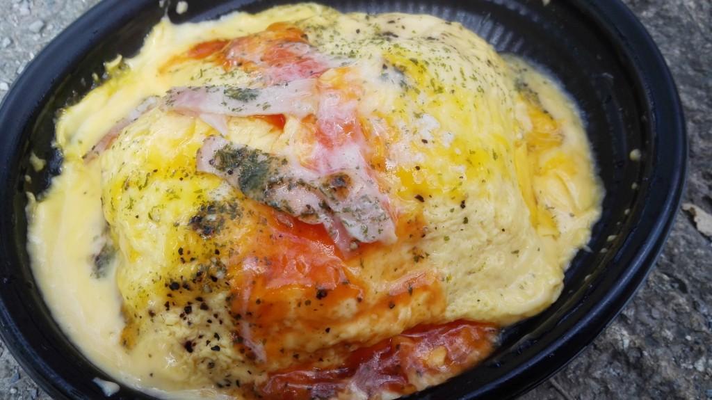 カルボナーラ+オムライスが最高にイケてる!ミニストップのお弁当。