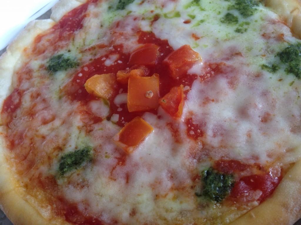 優秀味覚賞ってなんだ?明治乳業の冷凍ピザ「こだわりピッツェリア マルゲリータ」。