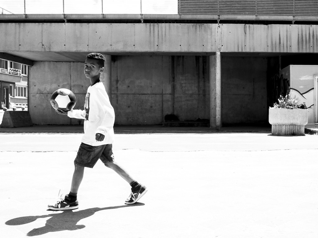 リフティングはサッカーがうまくなる効率のいい練習方法である。