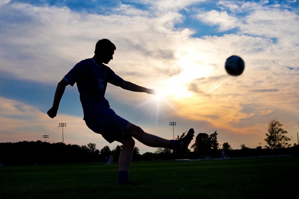 サッカーのパスの良し悪しは「質」「強弱」「方向」で決まる!