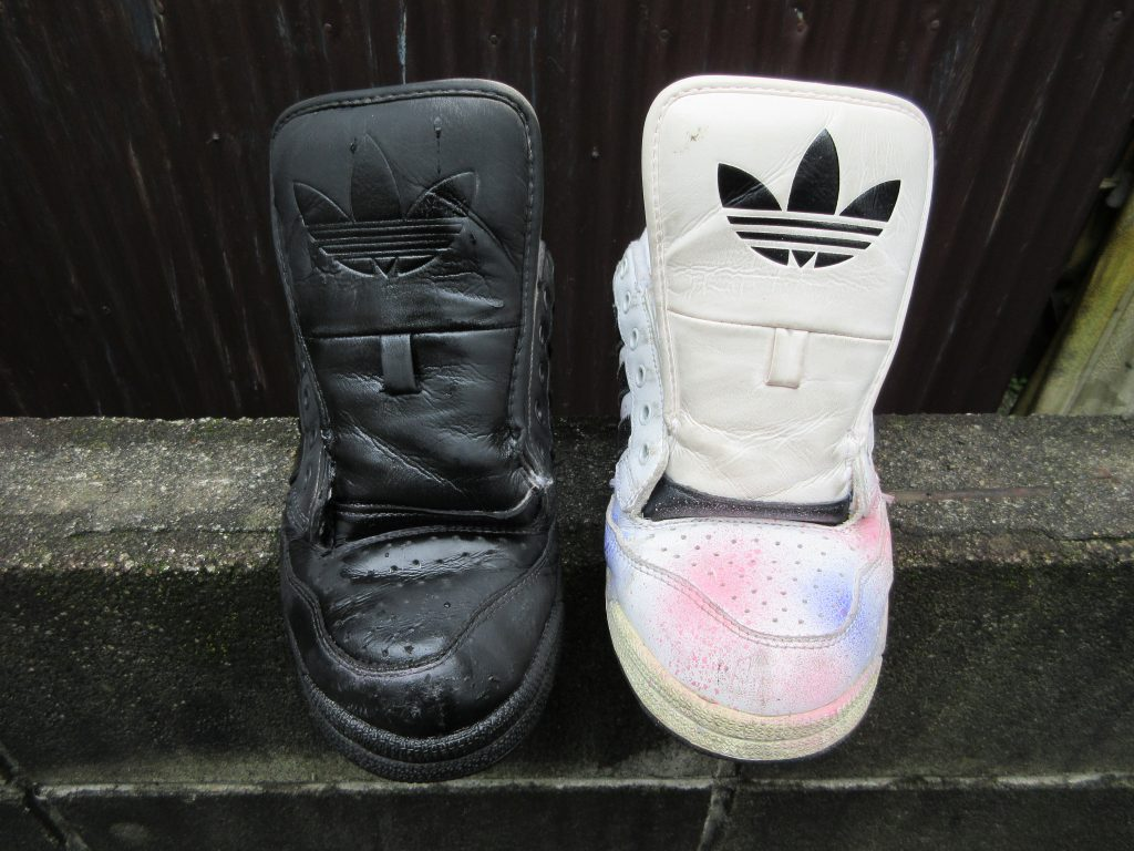 染めQで古い靴の色を塗り替えたら新品みたいに生まれ変わった。