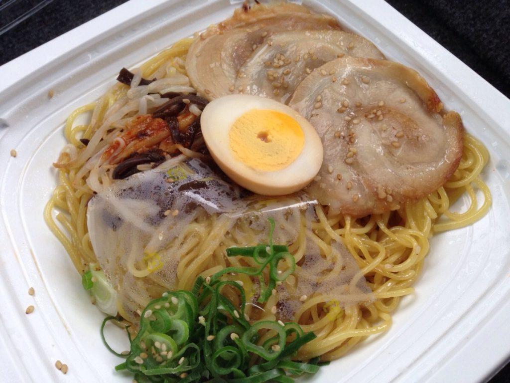 【セブンイレブン】チャーシュー豚骨焼ラーメン(辛味ダレ)が本格的!